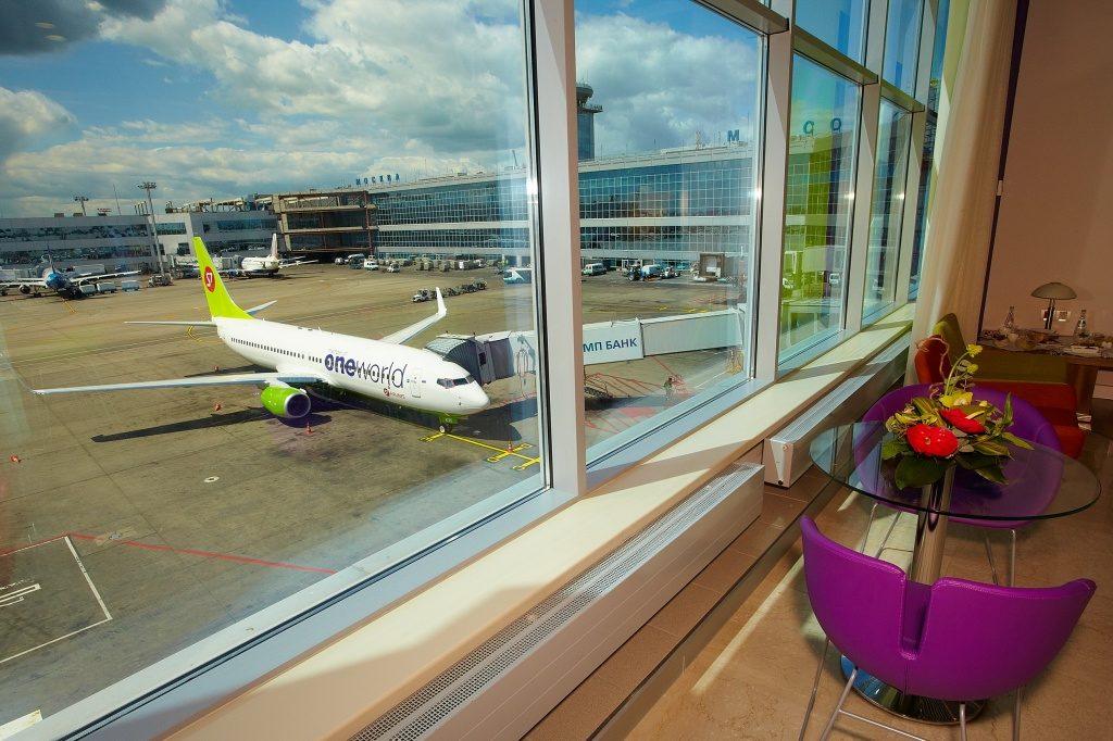 Зона отдыха авиакомпании S7 Сибирь в московском аэропорту Домодедово
